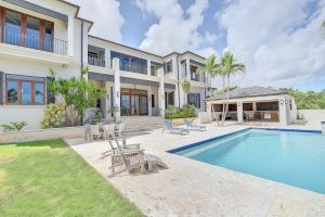 Hilltop West Bay Street Home Listing Photo