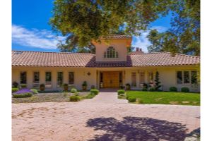 8800 Vineyard Drive Listing Photo